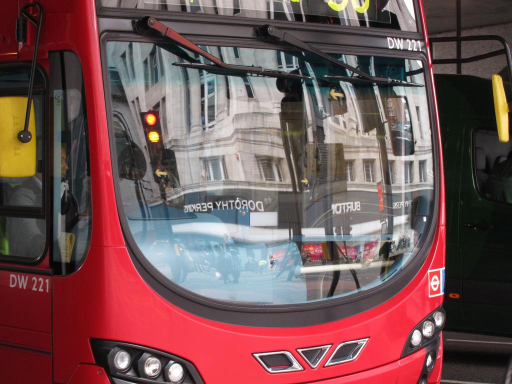 В Автобусе » Бесплатное порно видео для взрх
